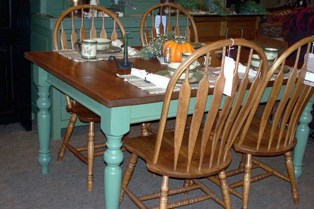 ... early country house furniture made of pine: ULKMYDS dining room furniture