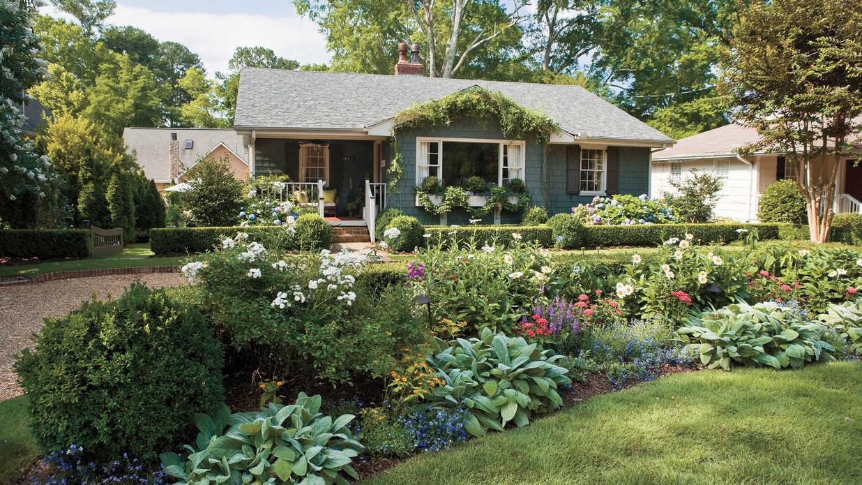 10 best landscape ideas - southern living UGZMFFE