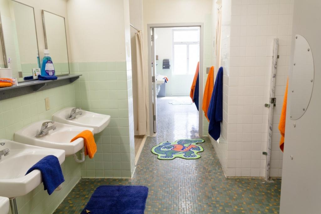 Nice bathroom in the dorm