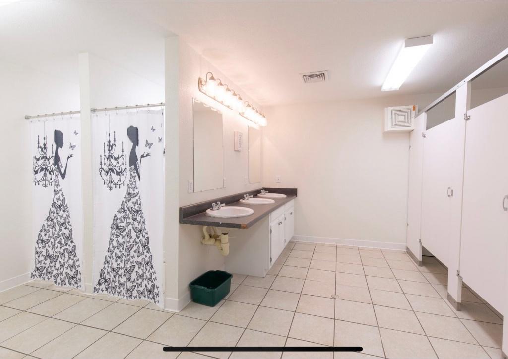 Nice bathroom in the dormitory
