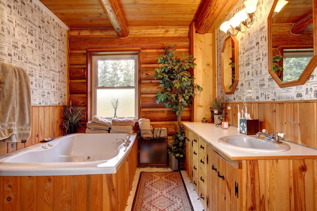 Bright western bathroom