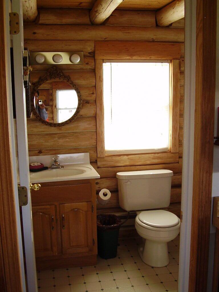 Small cabin bathroom