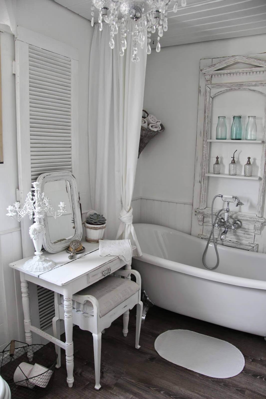 Nice bathroom in shabby chic