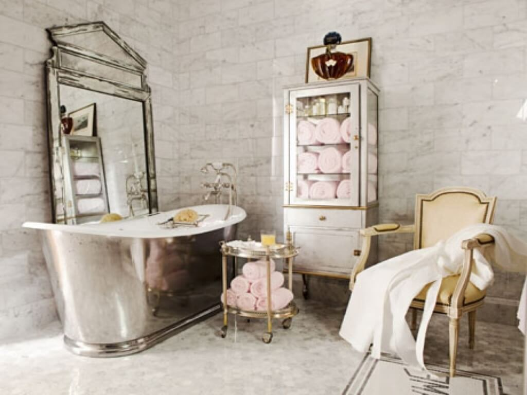 Interesting shabby chic bathroom