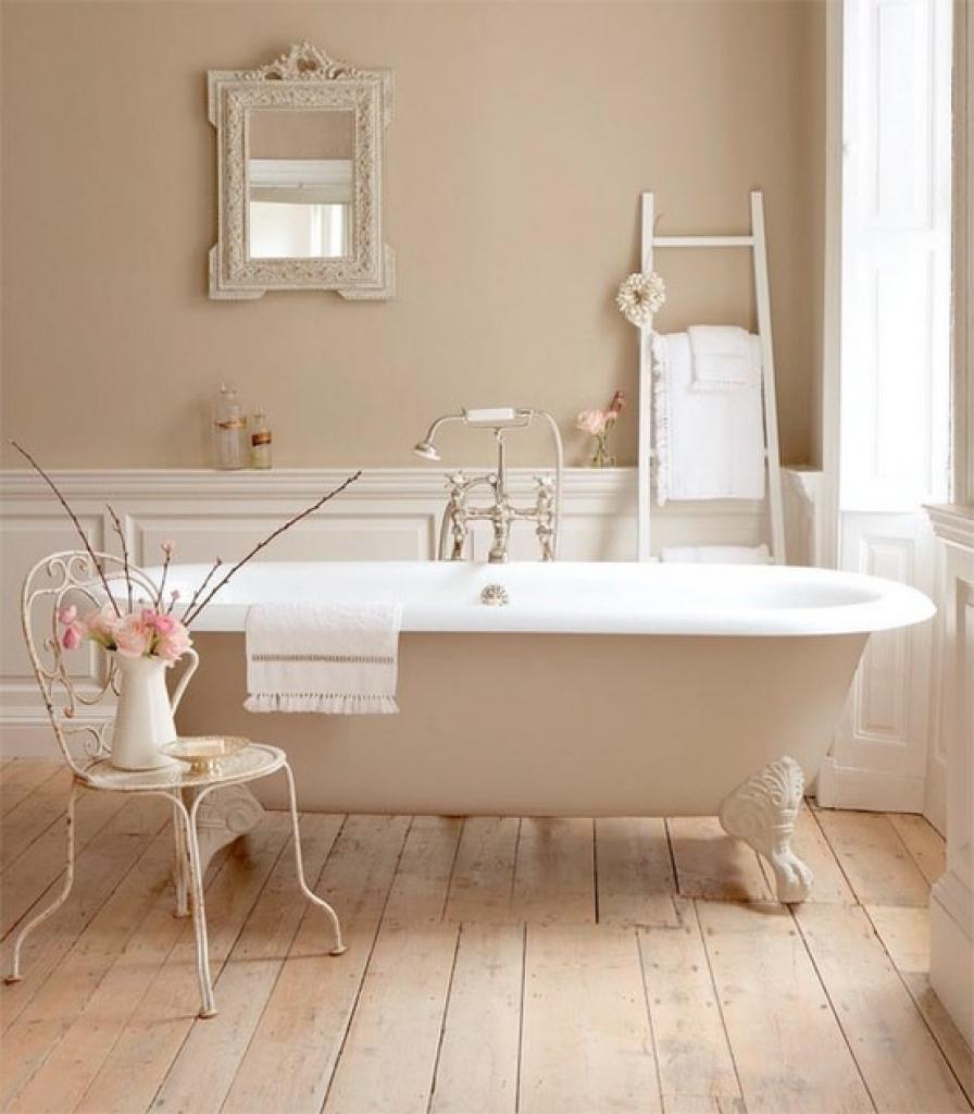 Classic bathroom cladding
