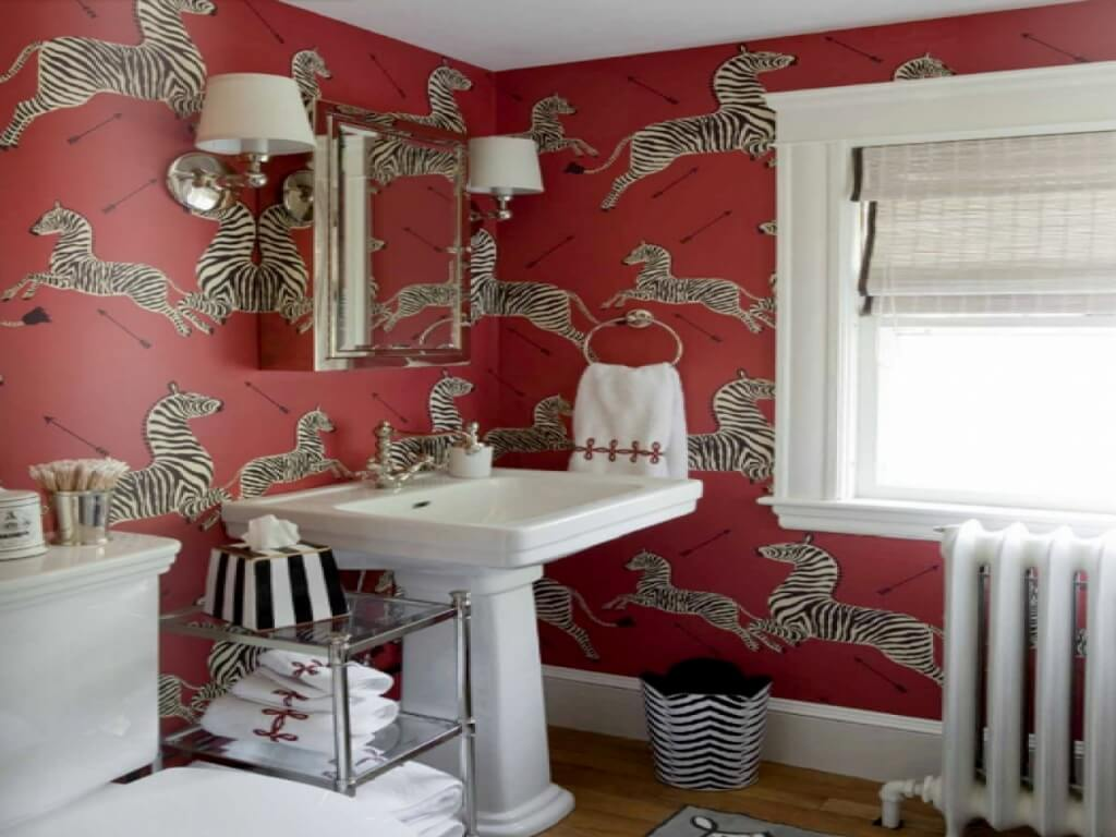 Fantastic red bathroom