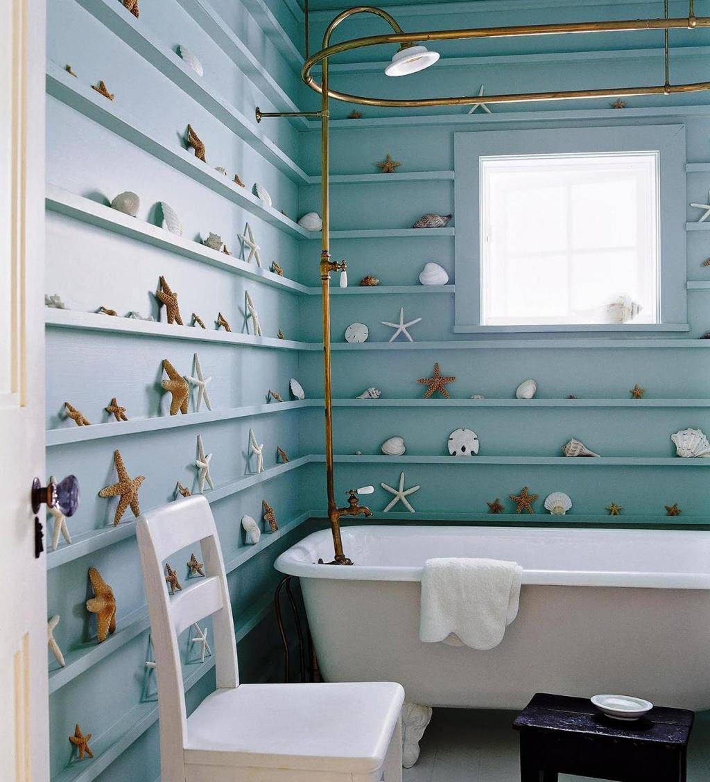 Lively nautical bathroom