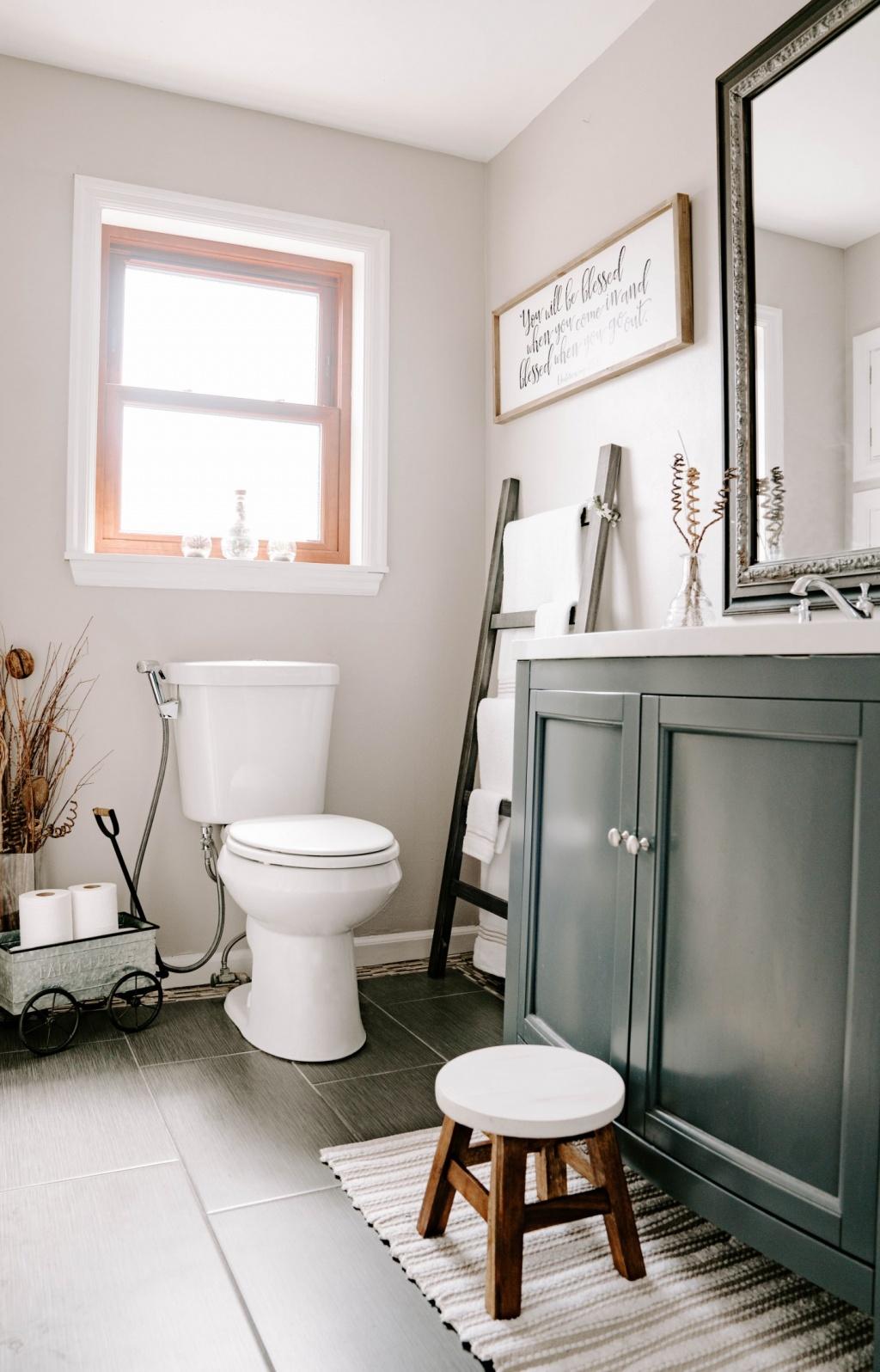 Easy bathroom organization