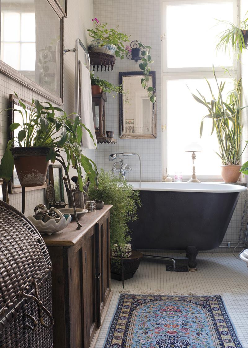 Fresh boho bathroom