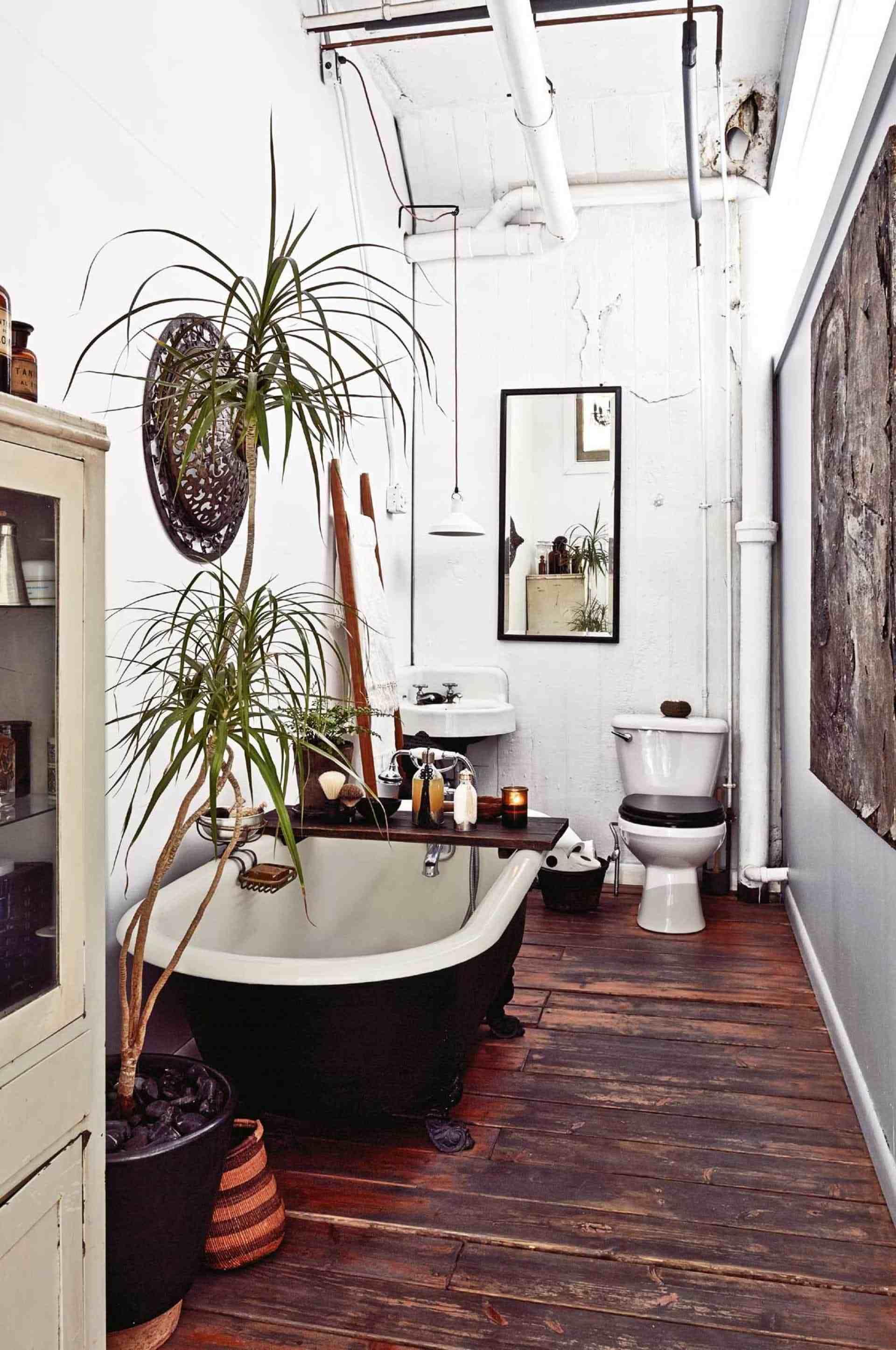 Classic boho bathroom