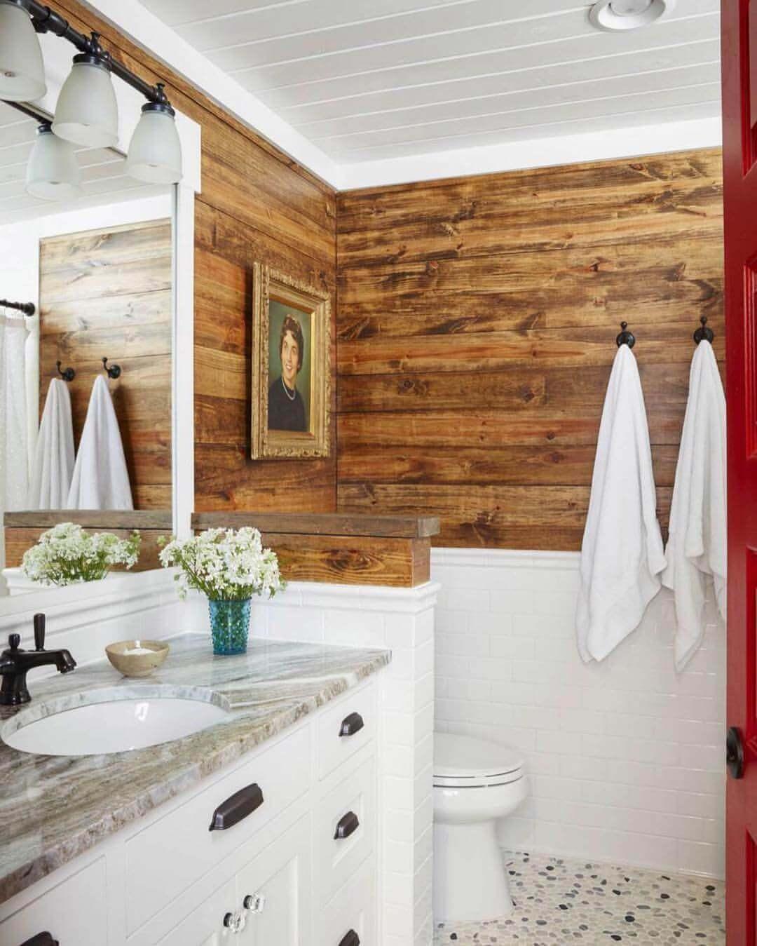 Seductive cabin bathroom