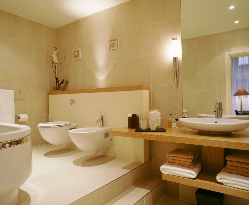 Seductive beige bathroom