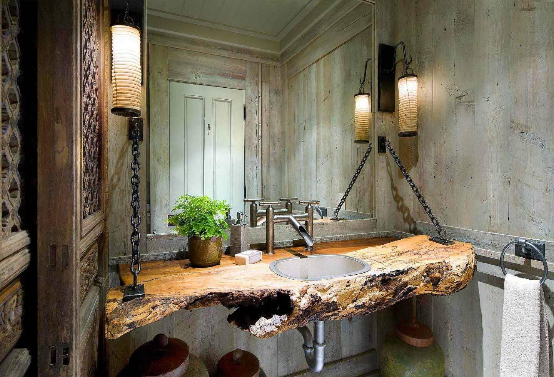 Excellent cabin bathroom