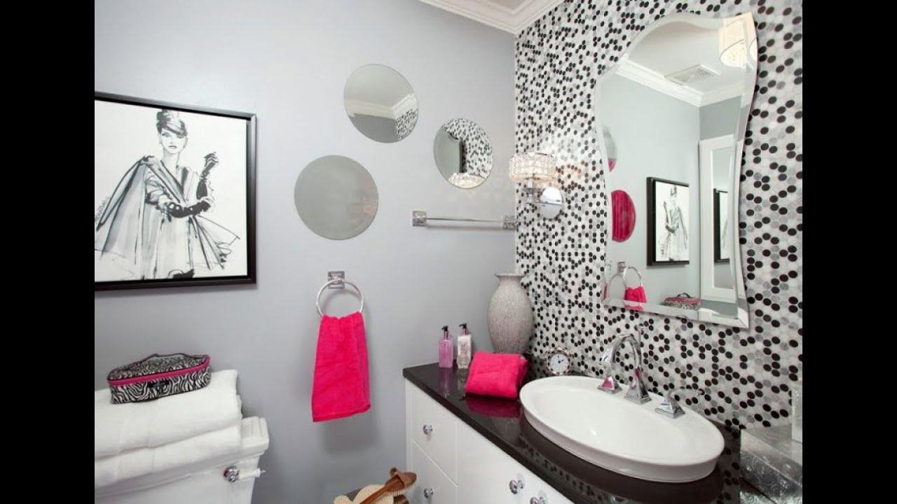 Fashionable bathroom wall