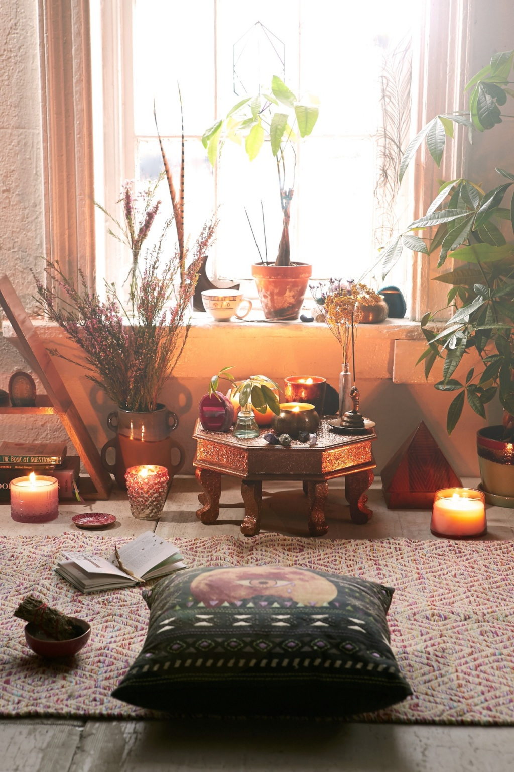 Warm meditation room