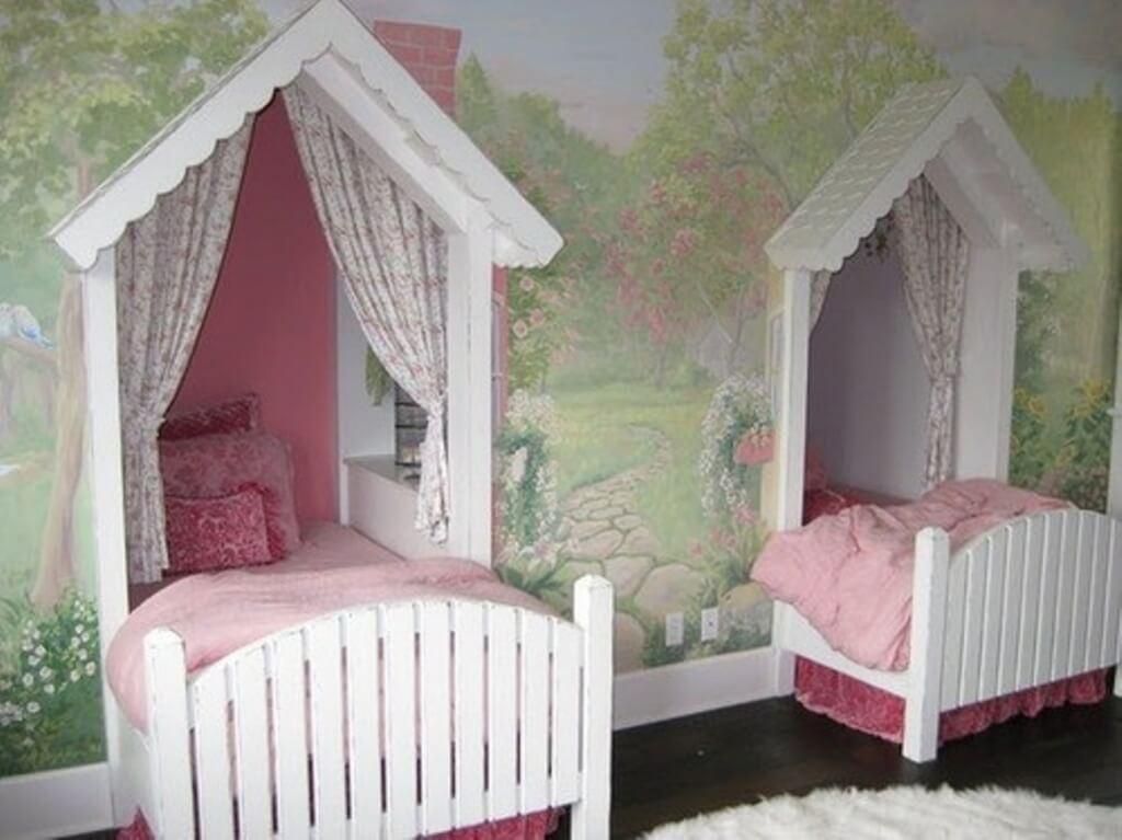 Pretty fairytale bedroom wall decoration