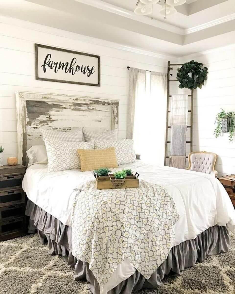 Nice farmhouse bedroom