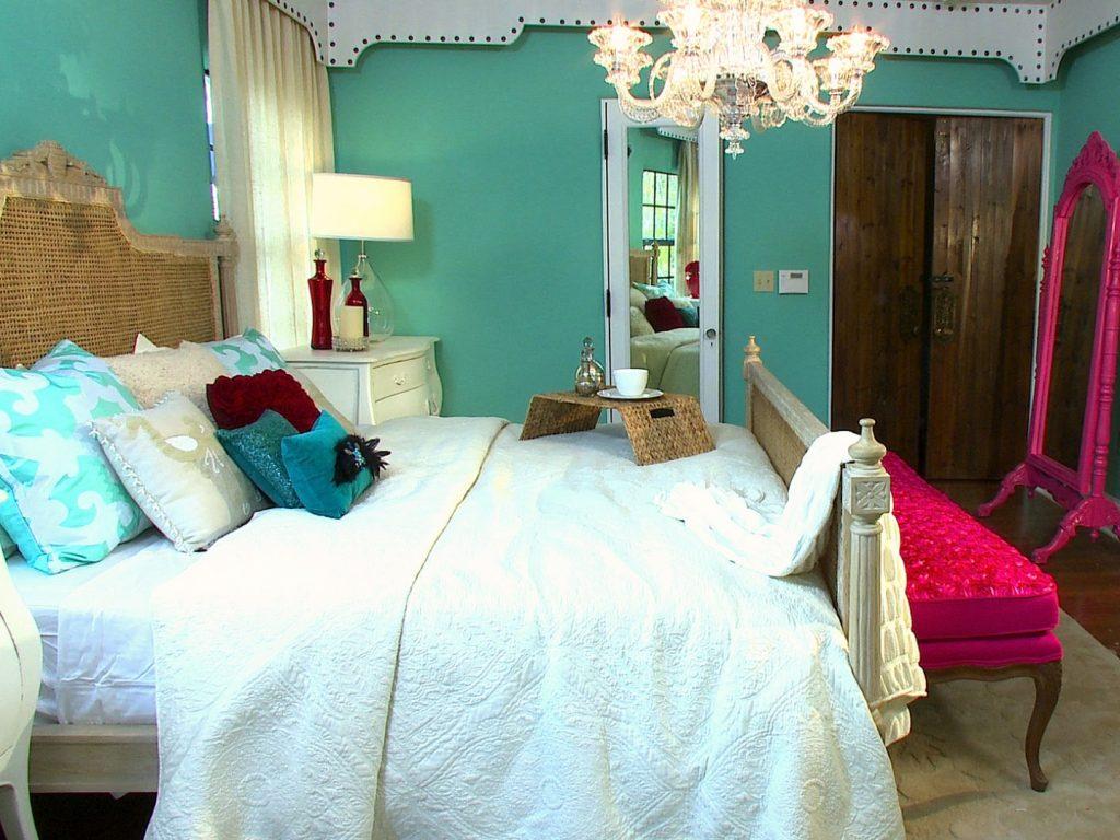 Girlish bedroom mirror