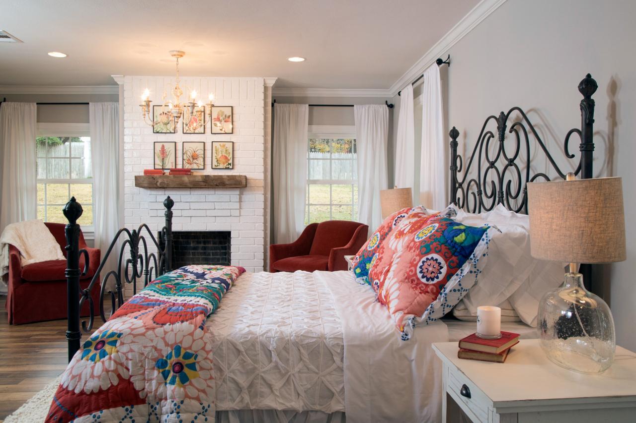 Nice bedroom by Joanna Gaines