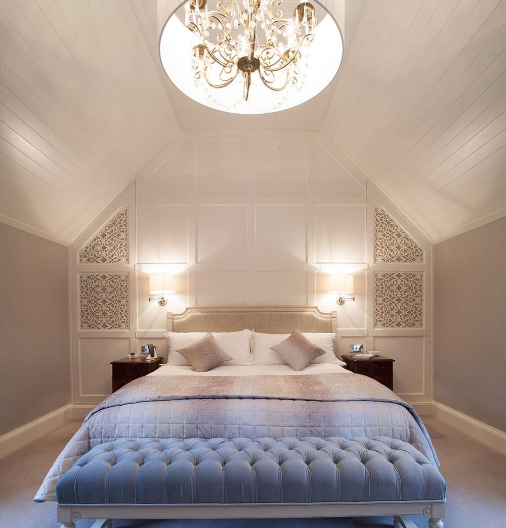 Seductive neutral bedroom