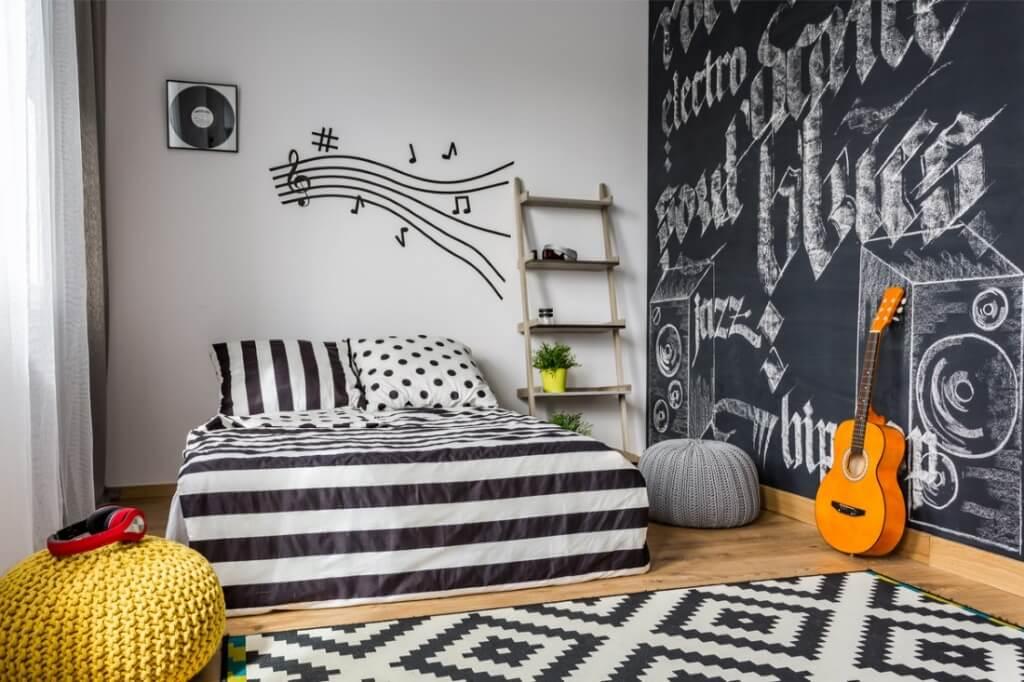 Fantastic bedroom wall decoration