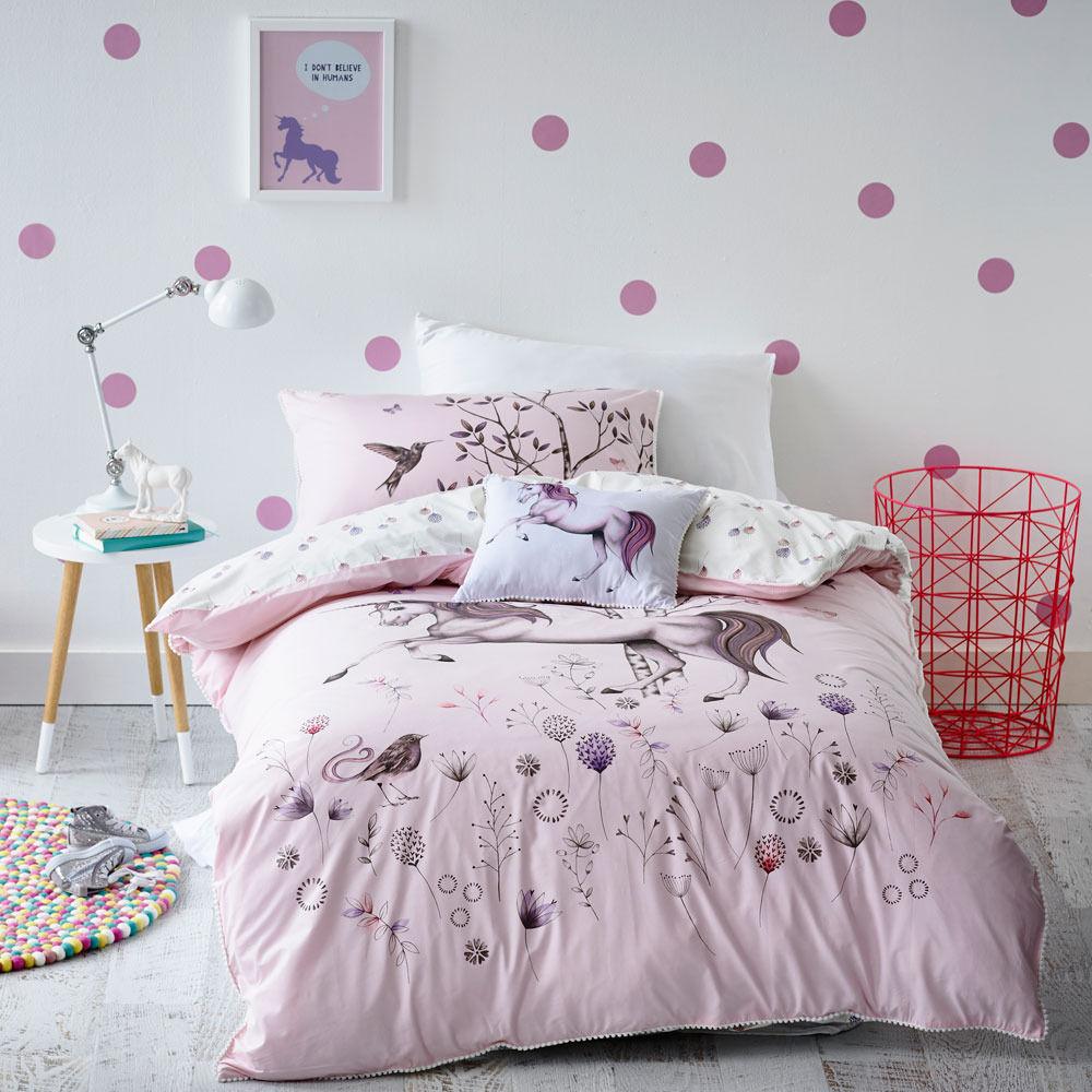 Sweet unicorn bedroom