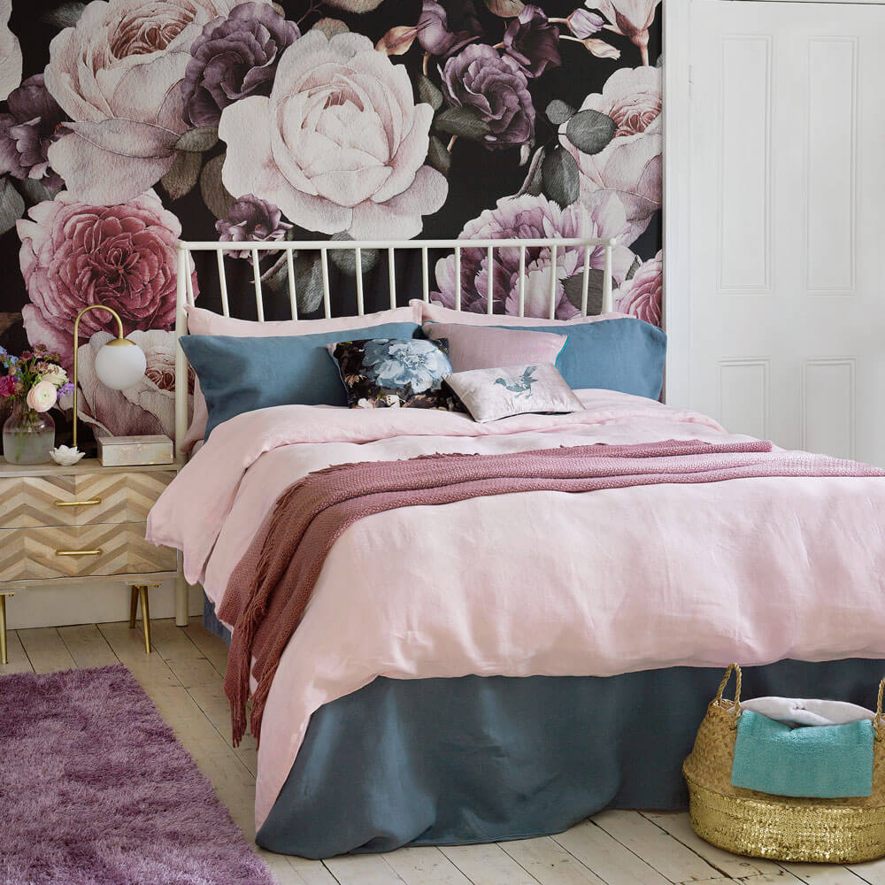 Bedroom wallpaper with floral pattern