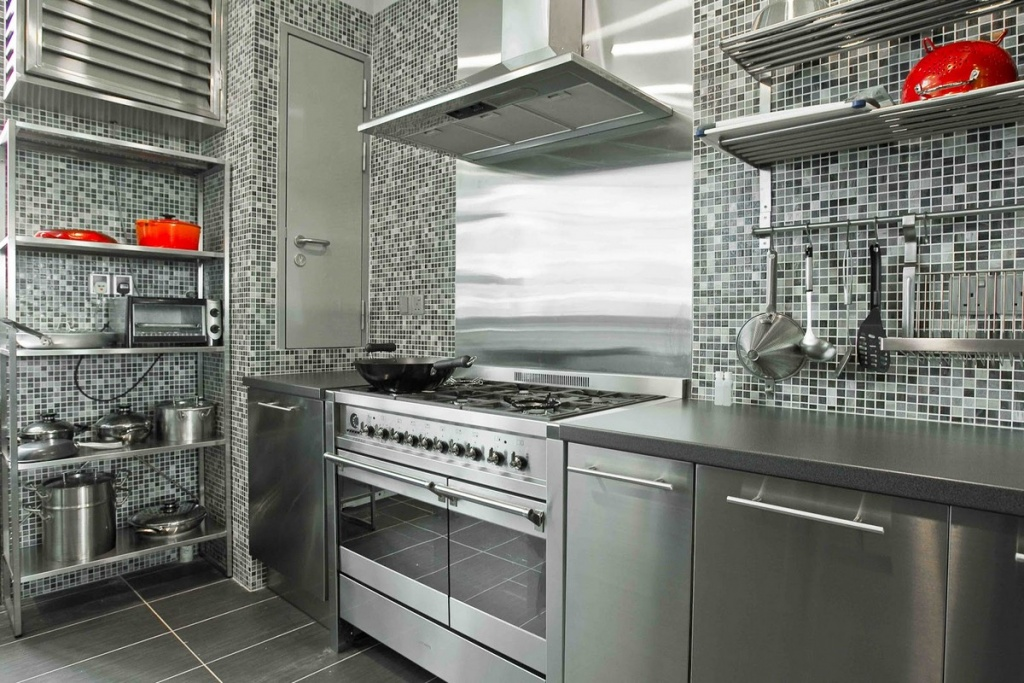 Mirrored gray kitchen