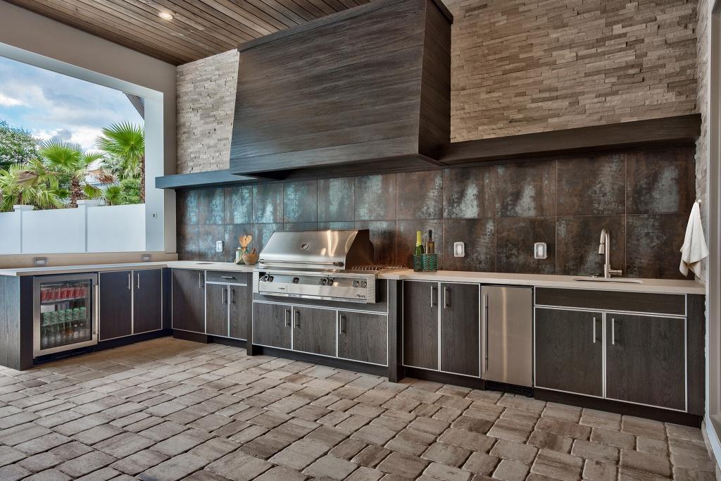 Outdoor industrial kitchen
