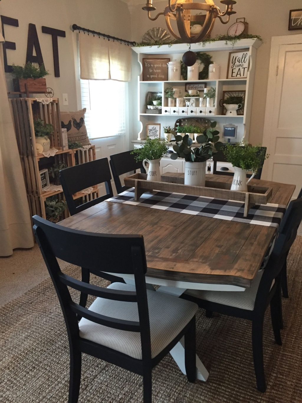 Kitchen table in the farmhouse