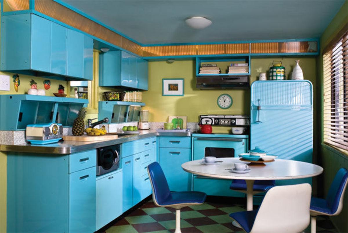 Bright retro kitchen