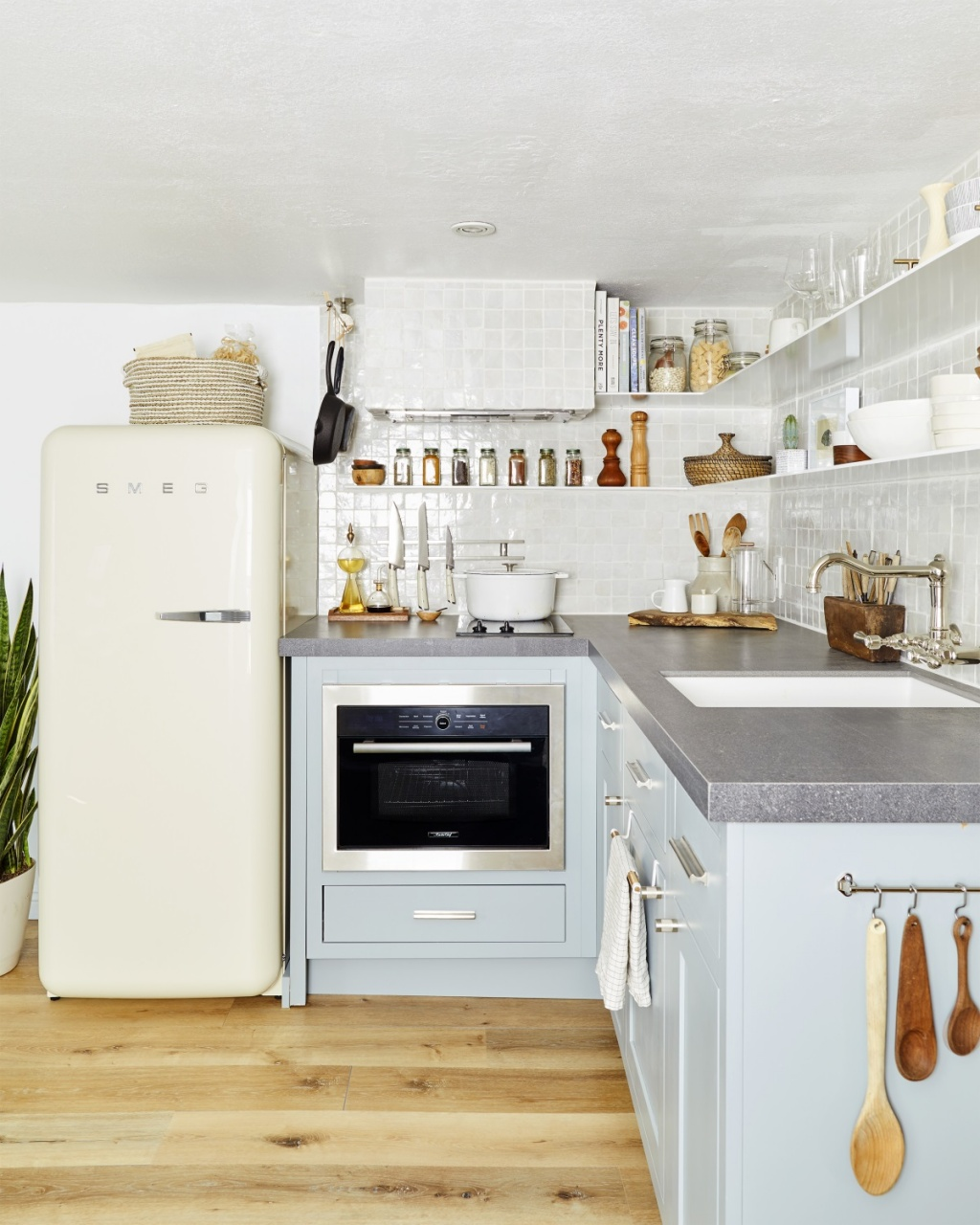Economical kitchen shelves
