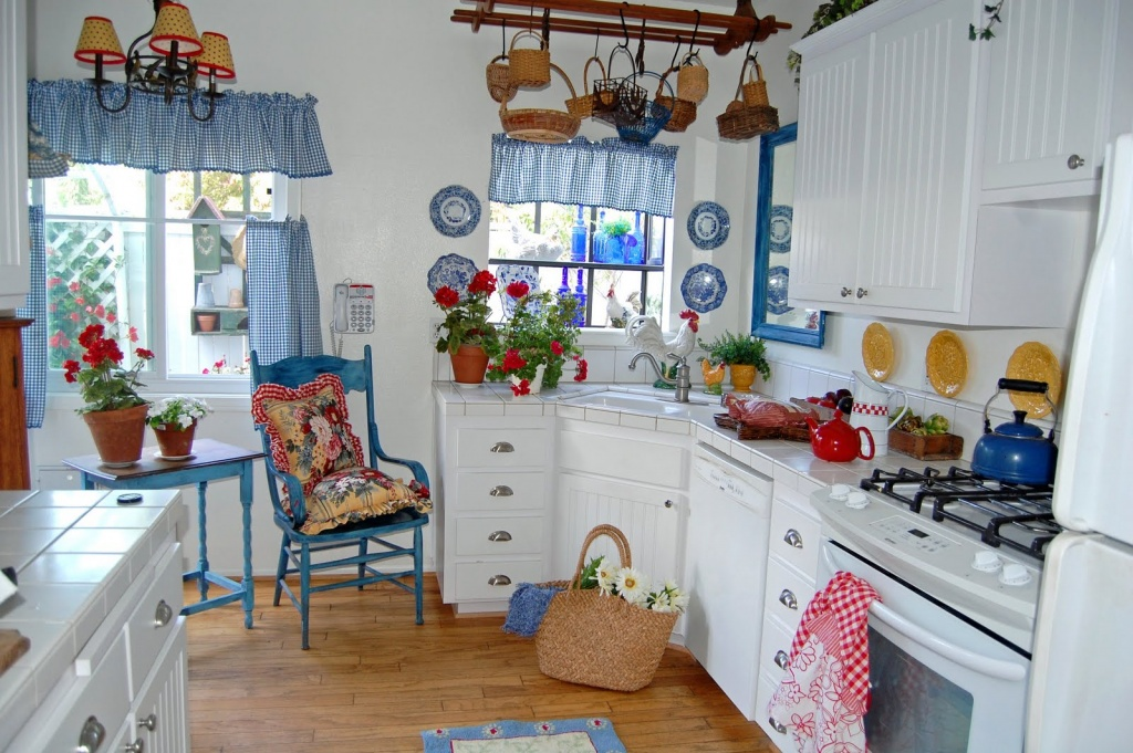 Adorable kitchen chandelier