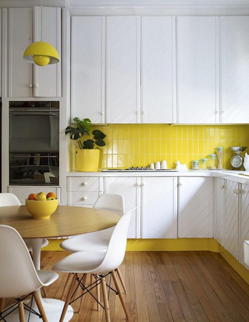 Juicy yellow kitchen splashback