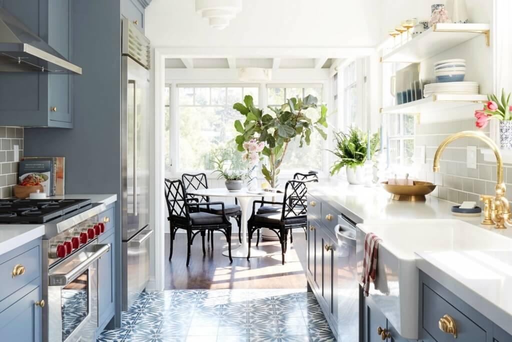 Graceful kitchen floor