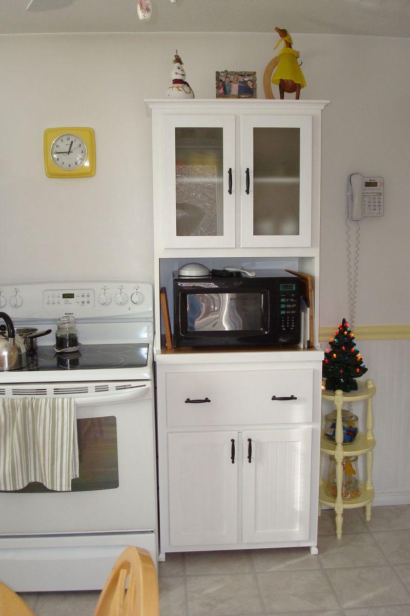 Minimalist kitchen stand