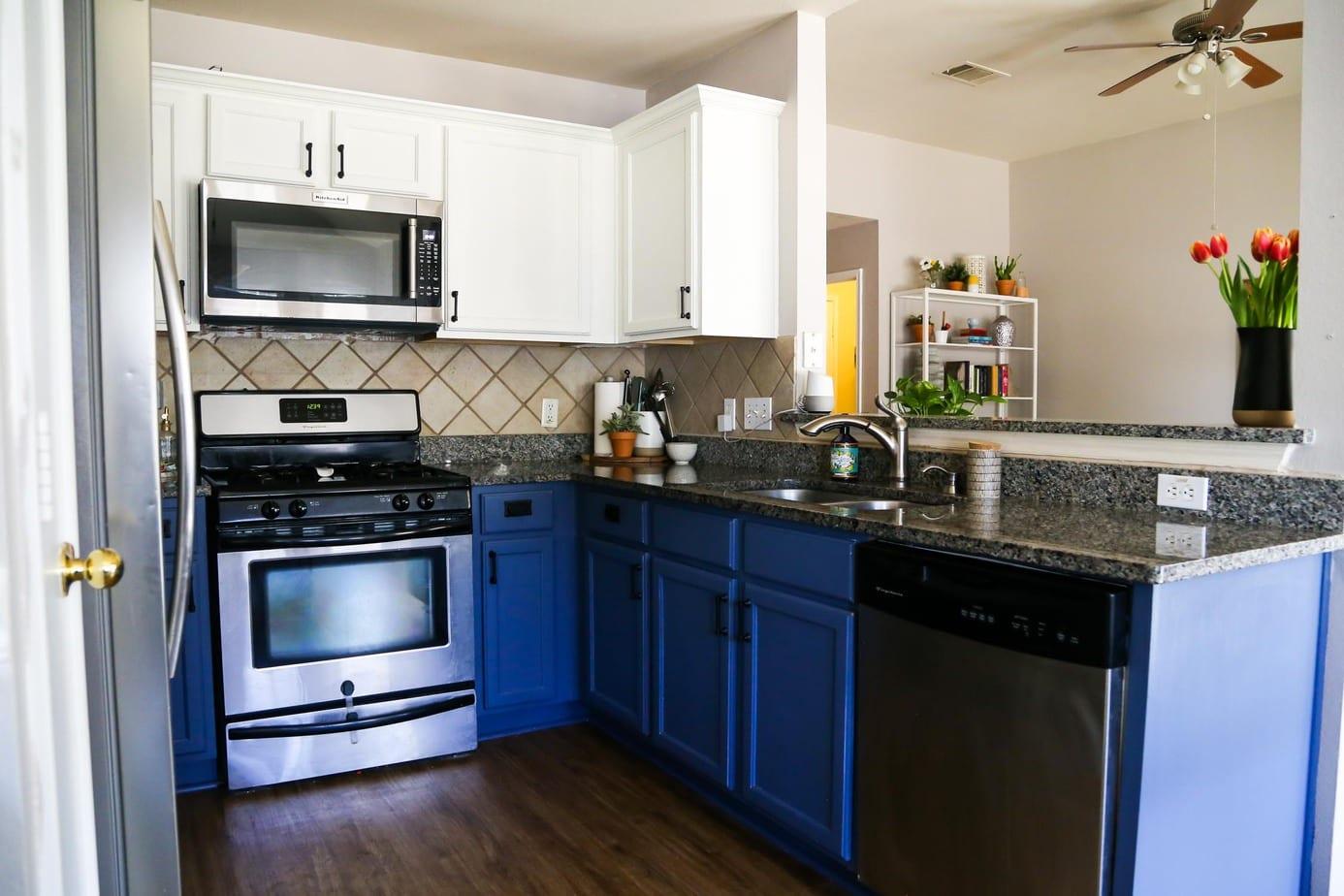 Cool L-shaped kitchen