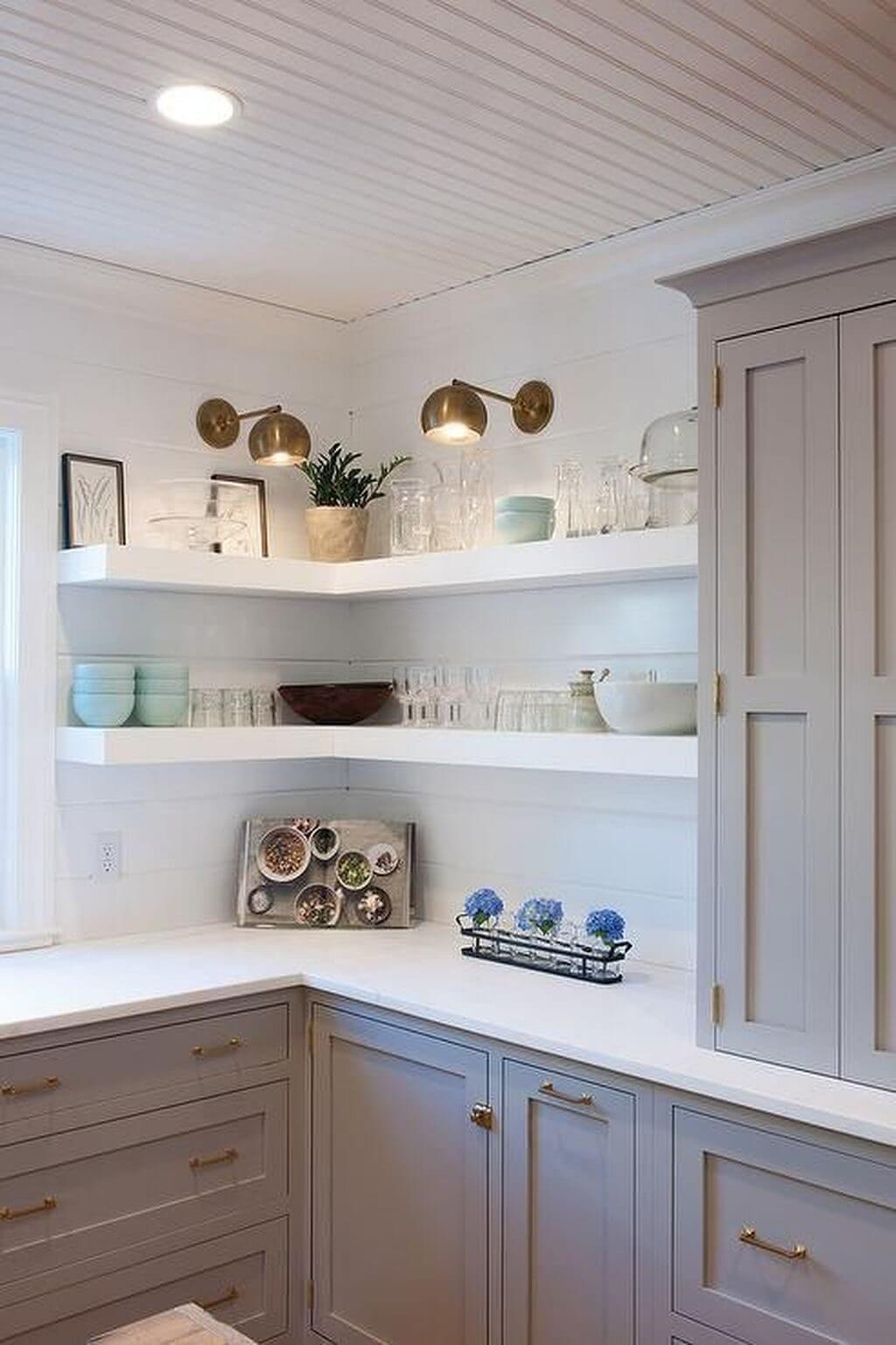 Chic kitchen shelf