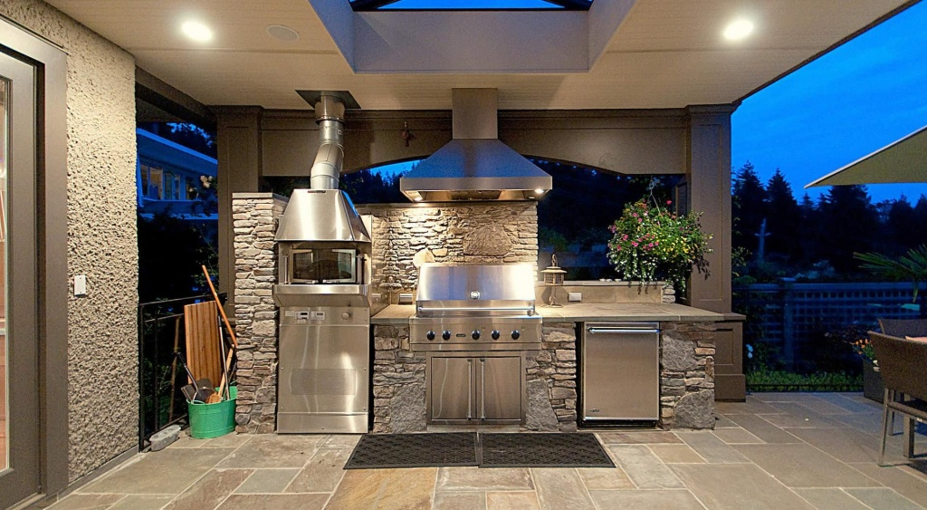 Natural stone construction of the brick kitchen