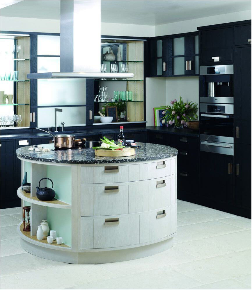 Compact kitchen island with hob