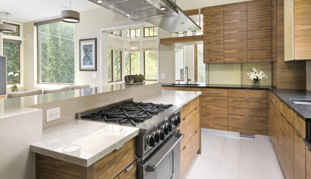 Extravagant kitchen island with hob