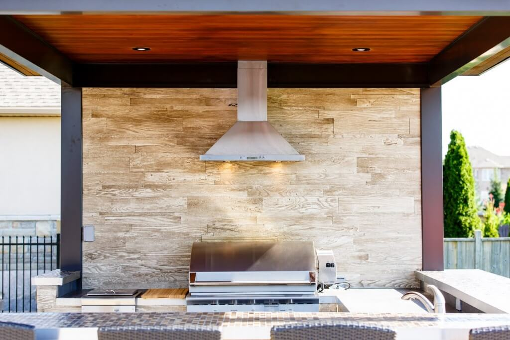 Recessed kitchen light with perforated screen
