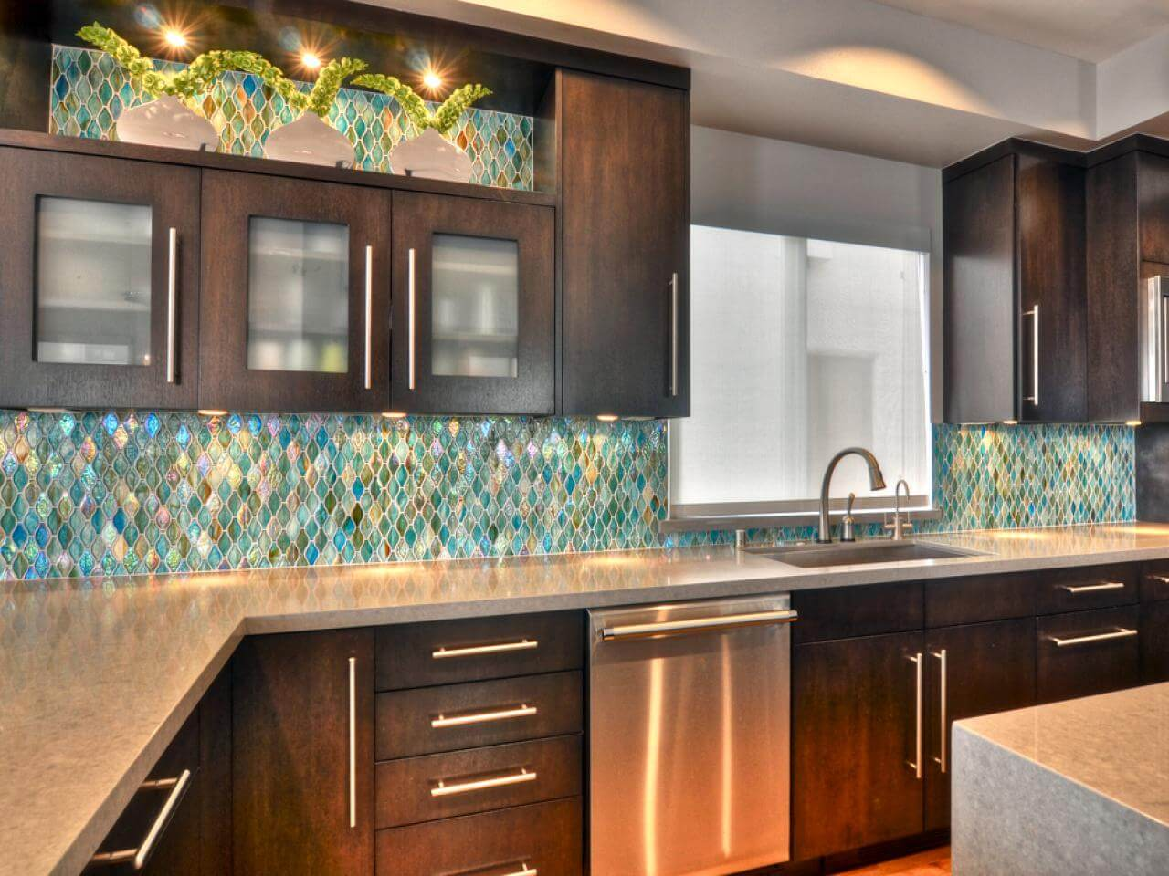 Reflective kitchen cabinet lighting