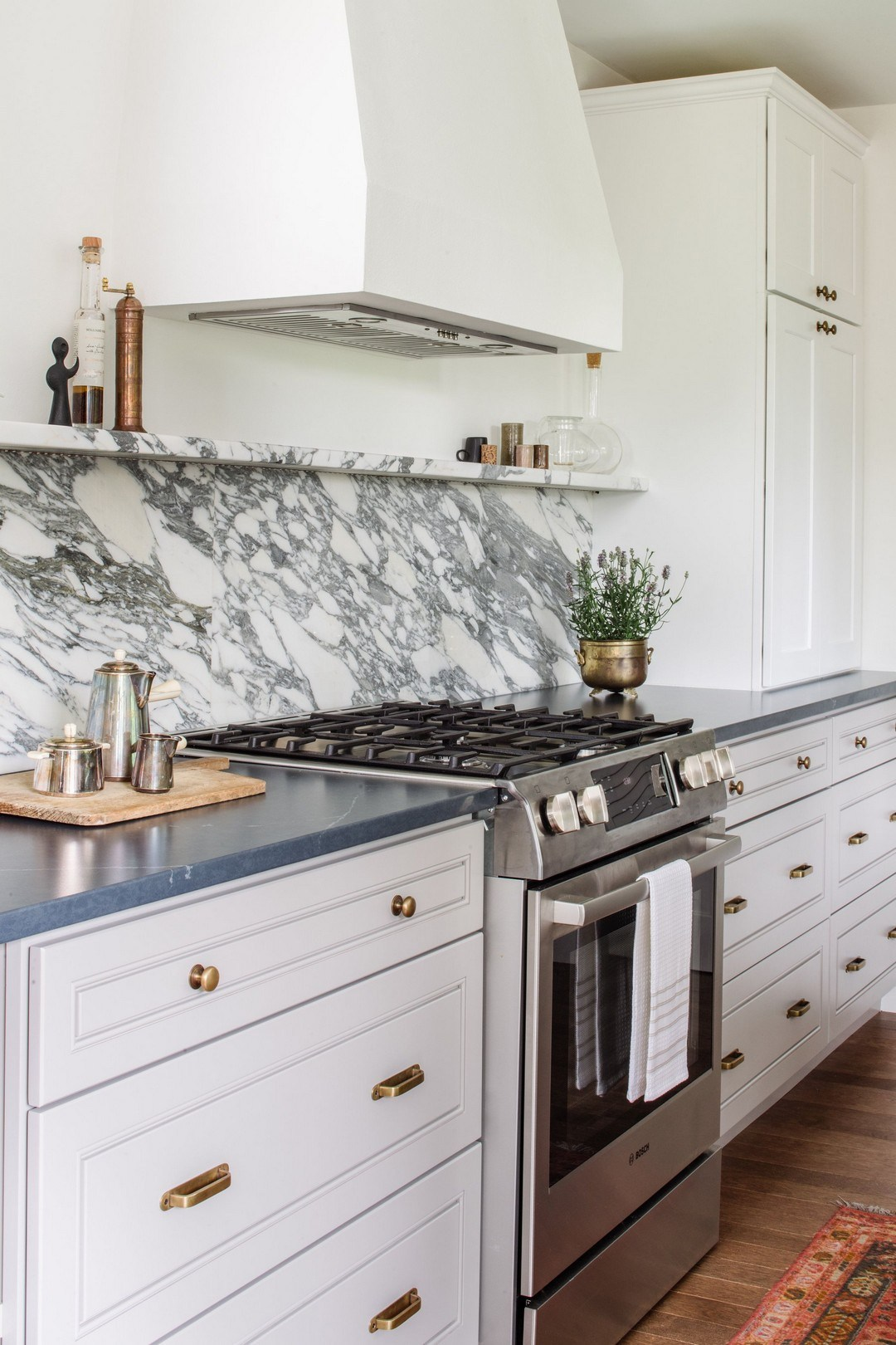 Abstract marble kitchen back wall