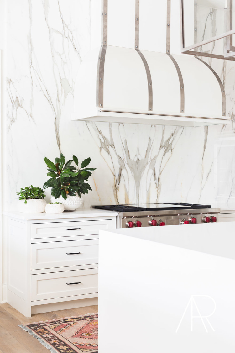 Retouched kitchen back wall made of marble