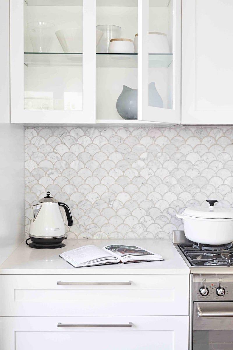 Sweet kitchen splashback made of marble