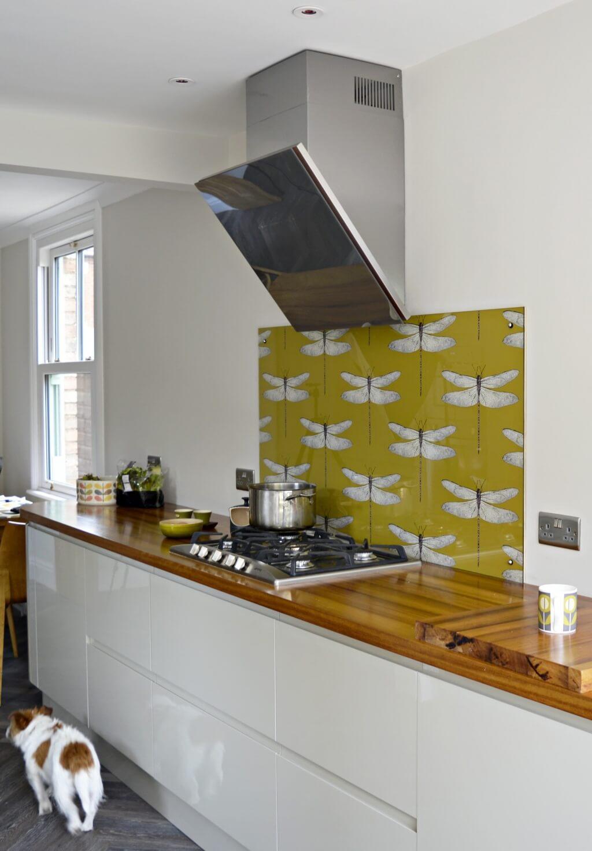 Improved yellow kitchen splashback