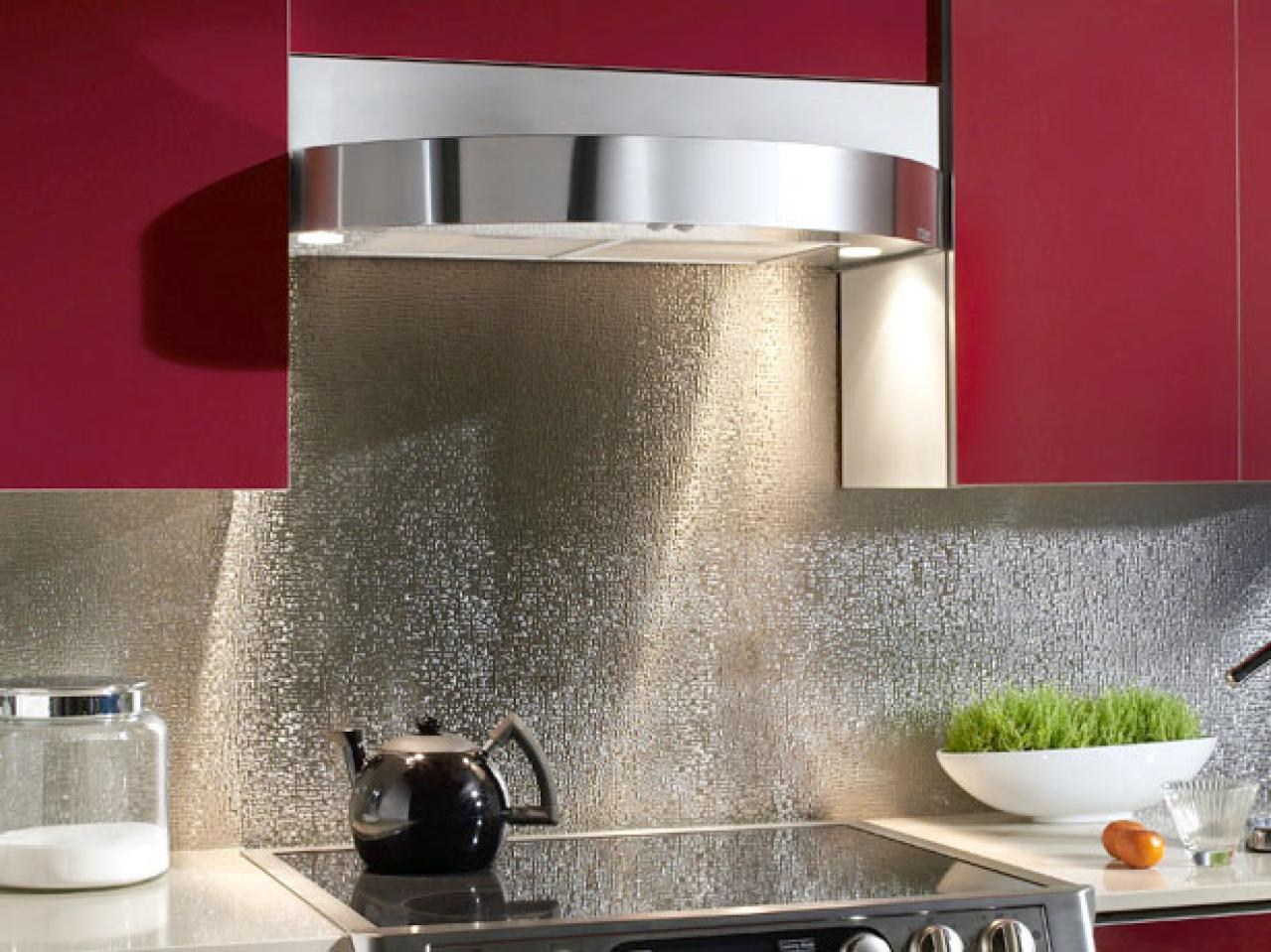Glittering kitchen back wall made of stainless steel