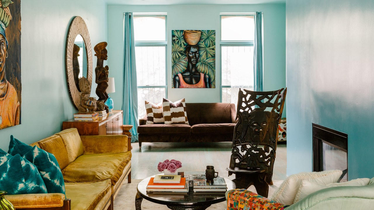 Aesthetic living room in brown and turquoise