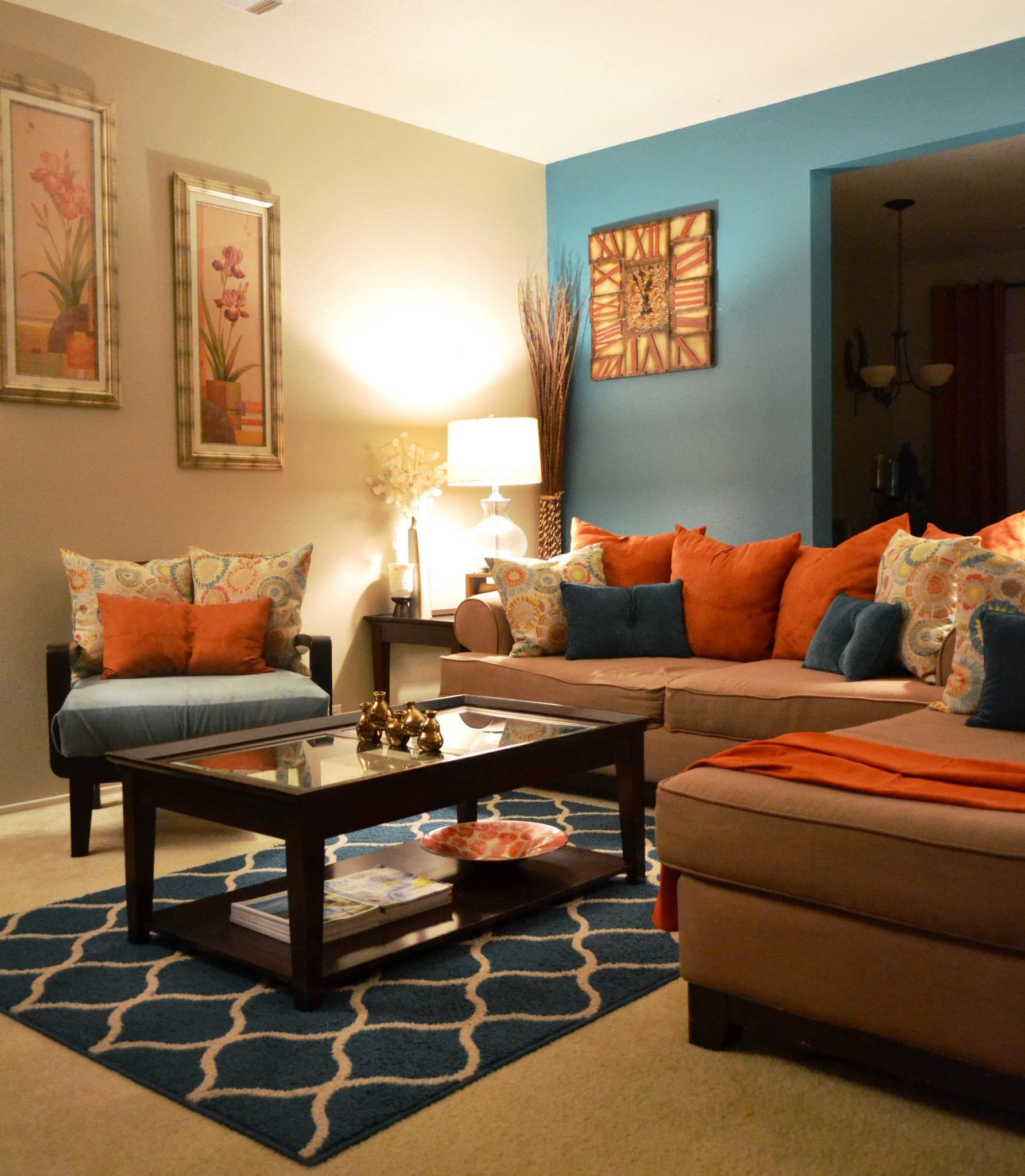Lively living room in teal and brown